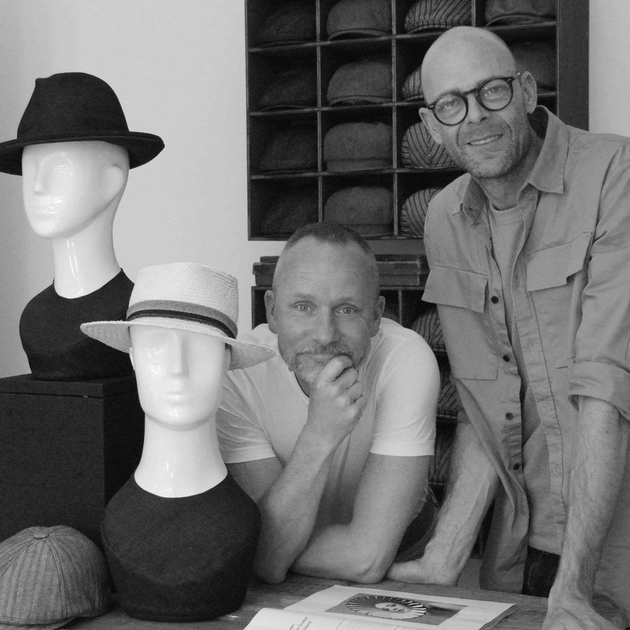 Ow-our-world-magazine-De-Hoedenmaker-atelier-winkel-ambacht