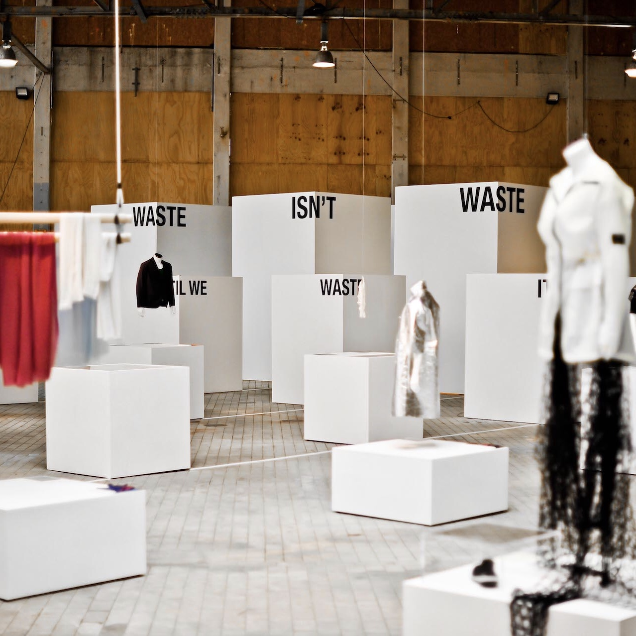State-of-fashion-2018-waste
